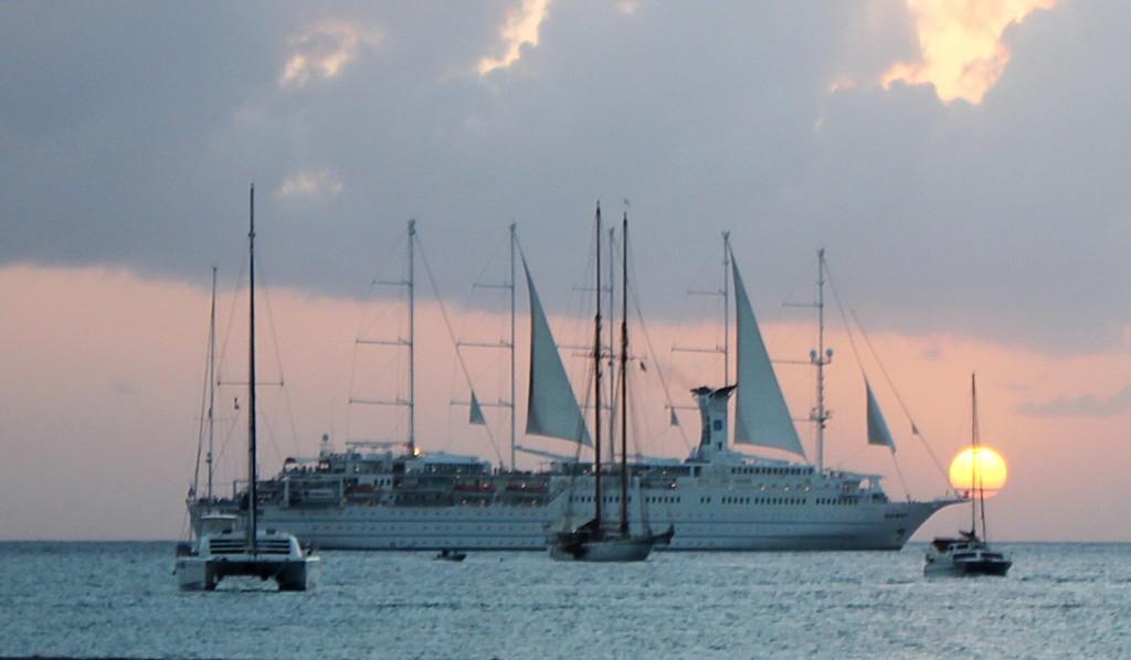 Nevis (103)